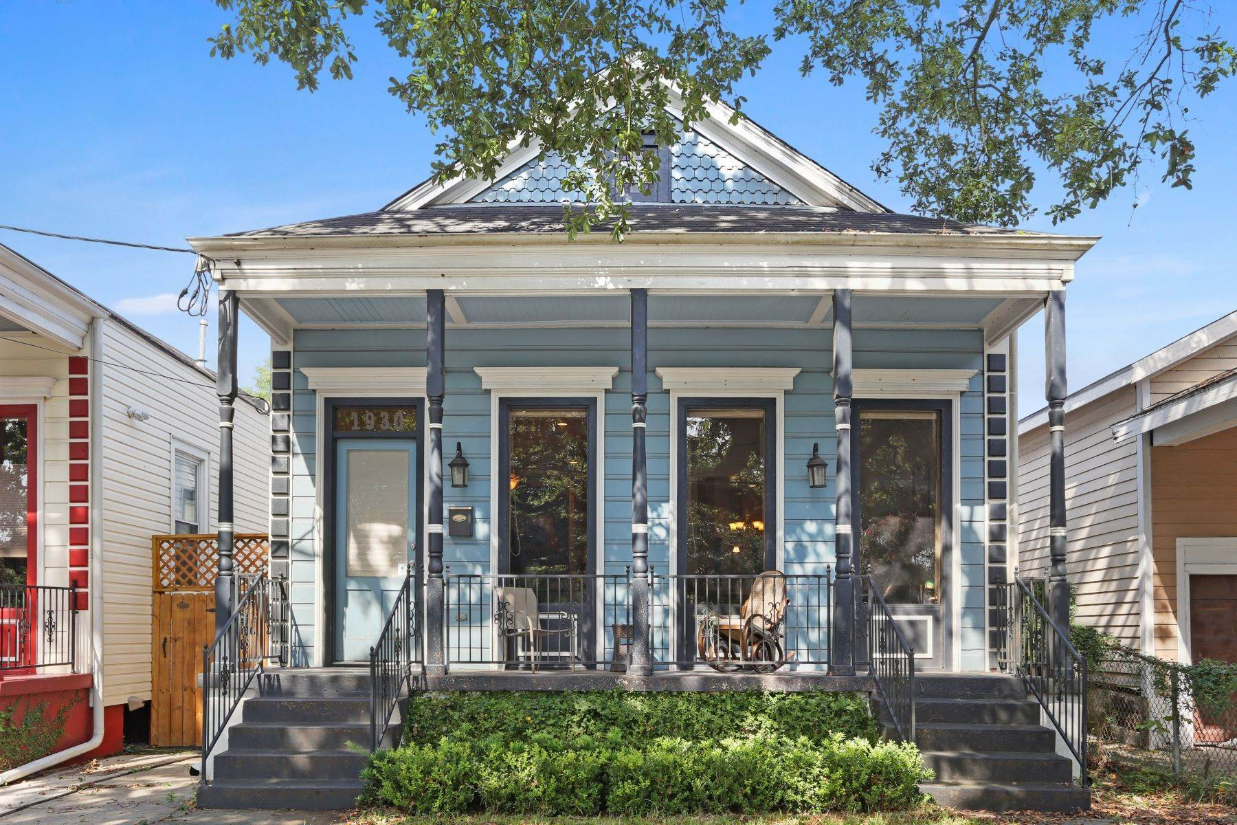 Single Family Homes for Sale at Elysian Fields Victorian 1930 Elysian Fields New Orleans, Louisiana 70117 United States