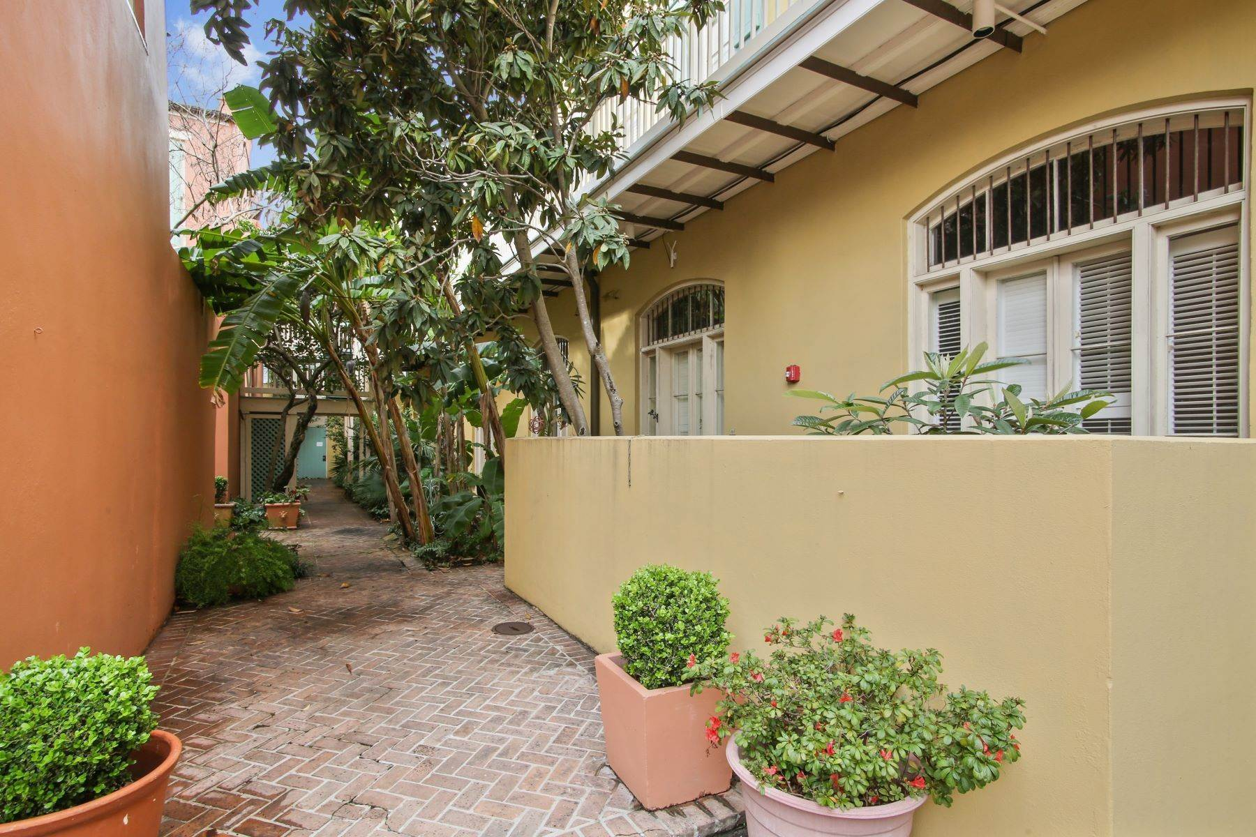 6. Condominiums for Sale at 1040 Chartres Street, C6 1040 Chartres St, C6 New Orleans, Louisiana 70116 United States