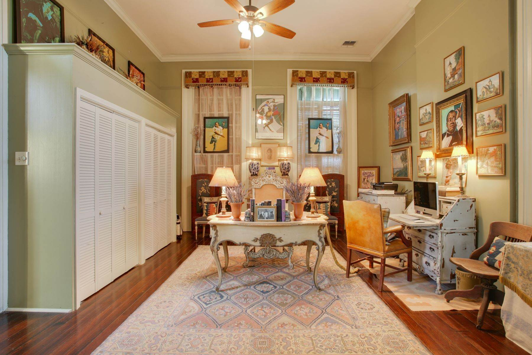 14. Single Family Homes for Sale at 1216 CAMP Street 1216 Camp St New Orleans, Louisiana 70130 United States
