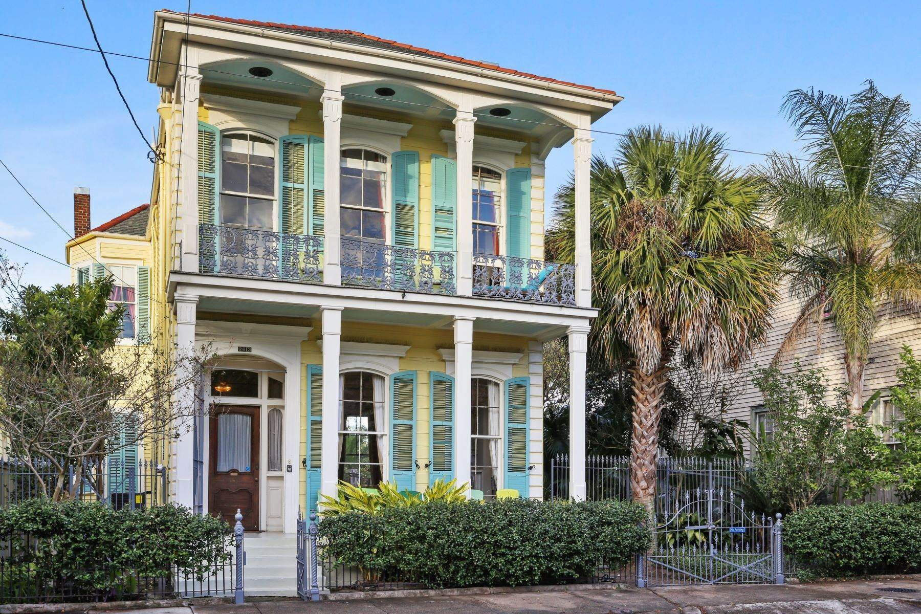 2. Single Family Homes for Sale at 2613 Royal New Orleans, Louisiana 70117 United States