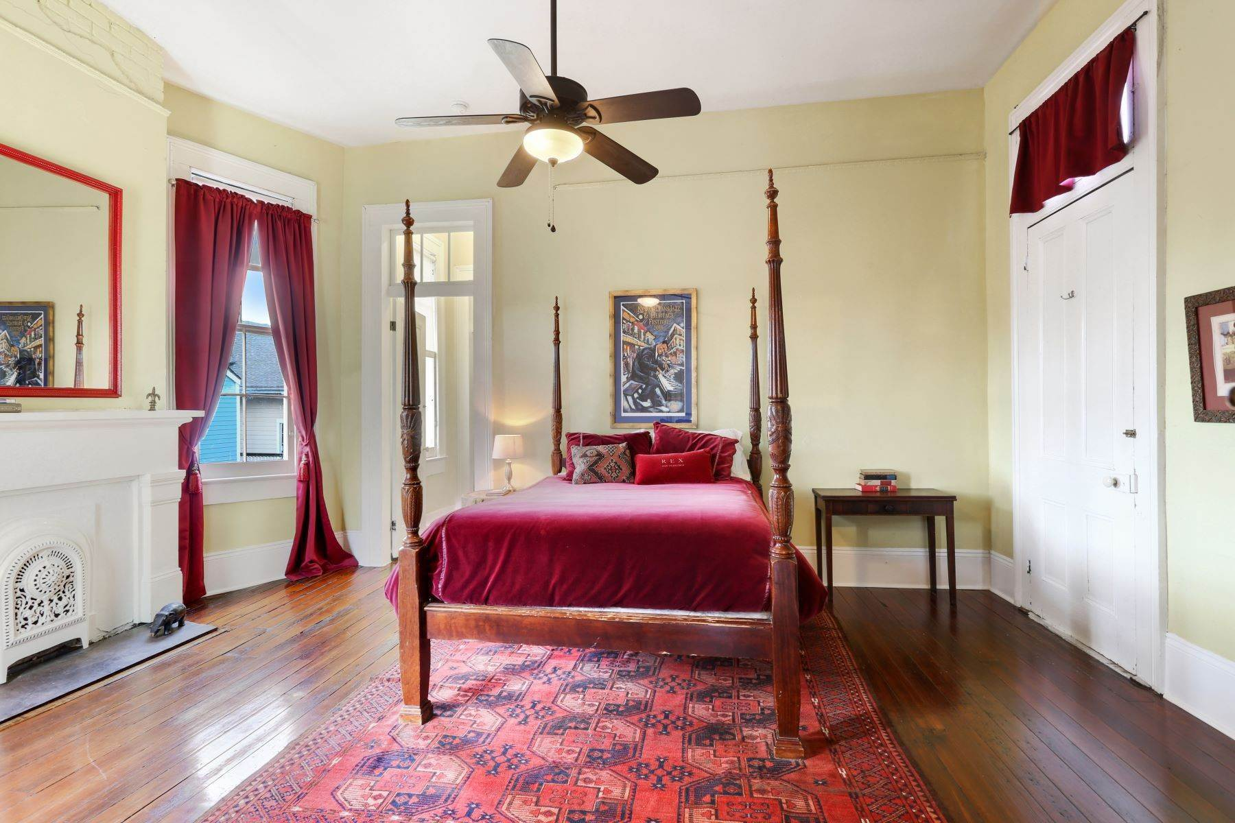 11. Single Family Homes for Sale at 2613 Royal New Orleans, Louisiana 70117 United States