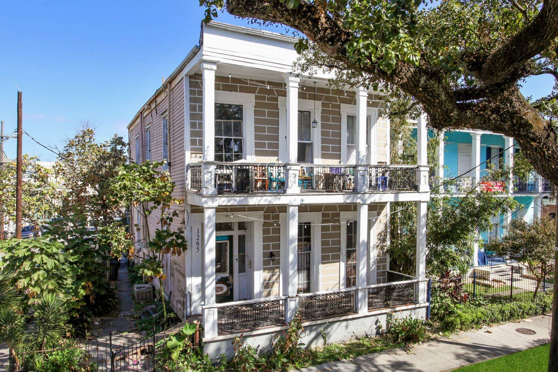Multi-Family Homes for Sale at 1265 ESPLANADE AVE New Orleans, Louisiana 70116 United States