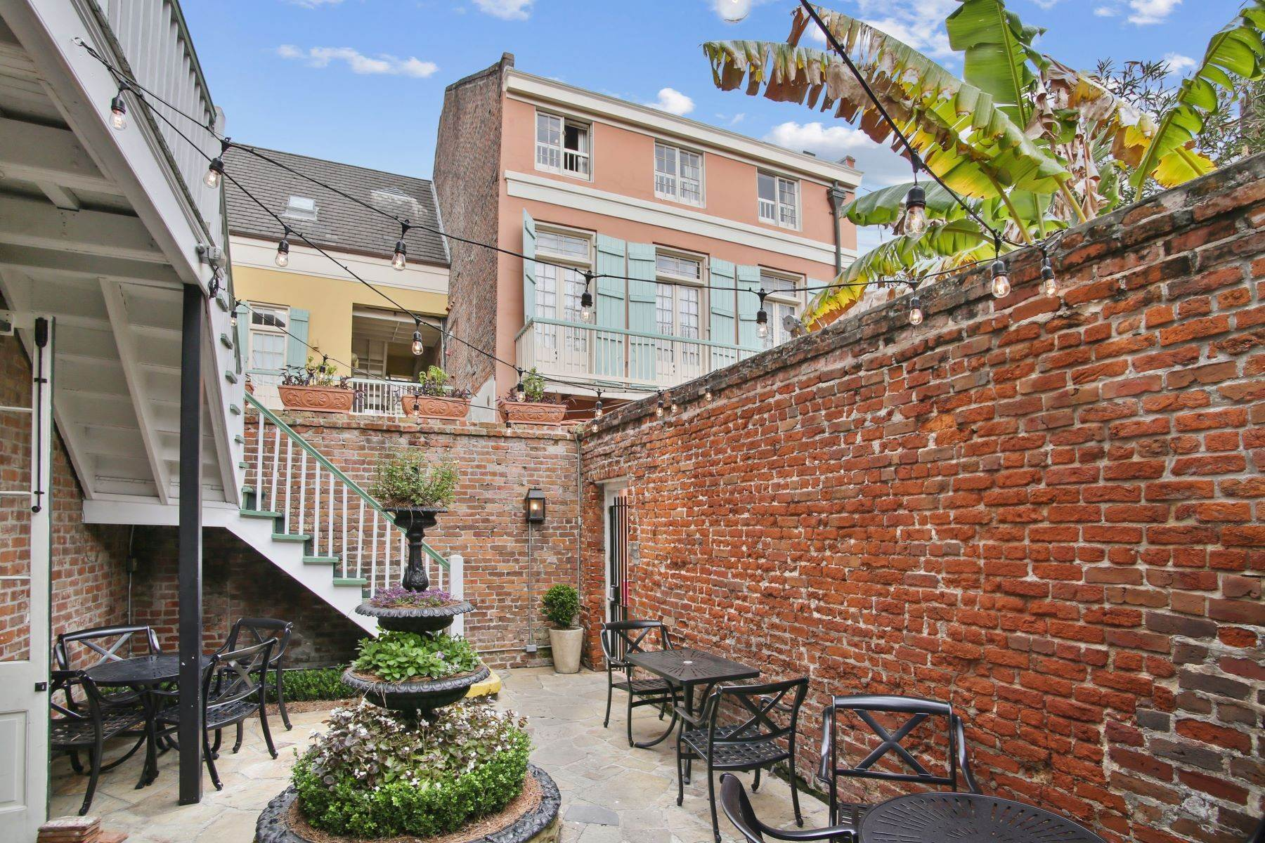 4. Condominiums for Sale at 1040 Chartres Street, C6 1040 Chartres St, C6 New Orleans, Louisiana 70116 United States