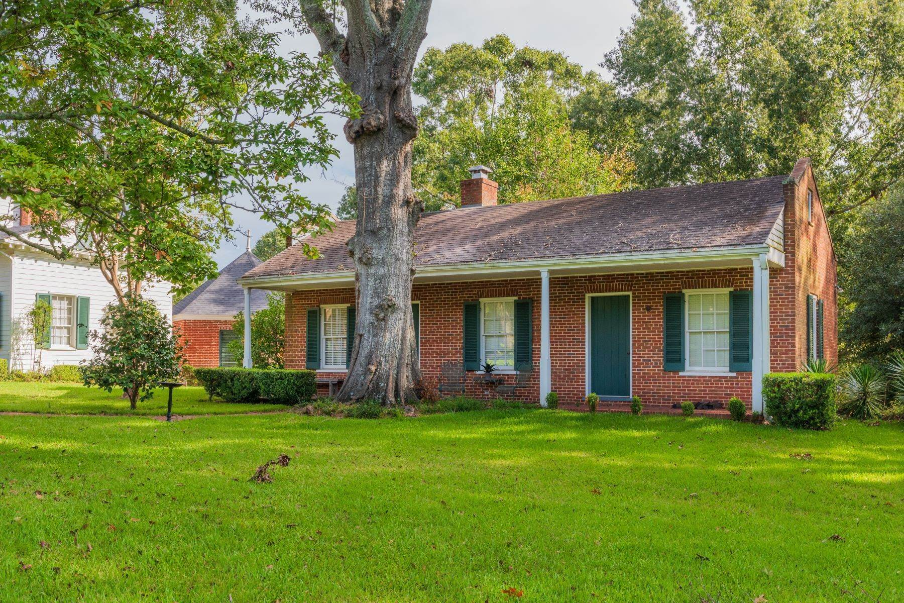24. Single Family Homes for Sale at Mount Repose 1 Bisland Rd Natchez, Mississippi 39120 United States