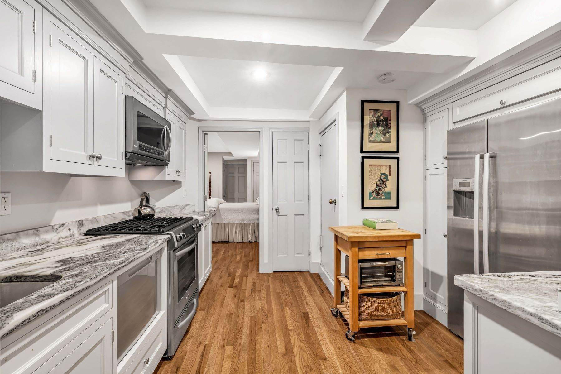 3. Co-op Properties for Sale at Renovated 2 bed 2 bath w/ Outdoor Space 20 East 88th Street, Apt 1F New York, New York 10128 United States