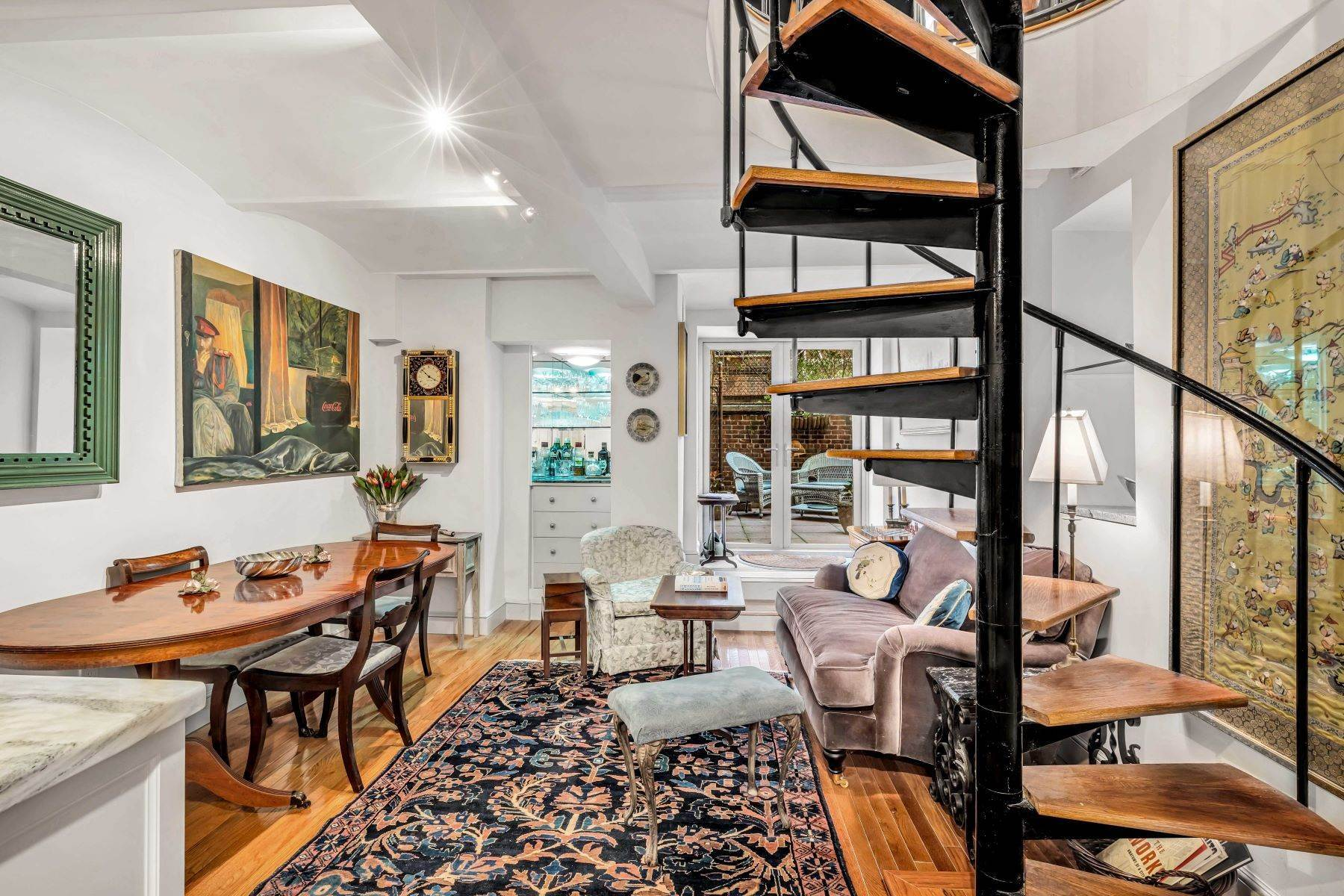 Co-op Properties for Sale at Renovated 2 bed 2 bath w/ Outdoor Space 20 East 88th Street, Apt 1F New York, New York 10128 United States