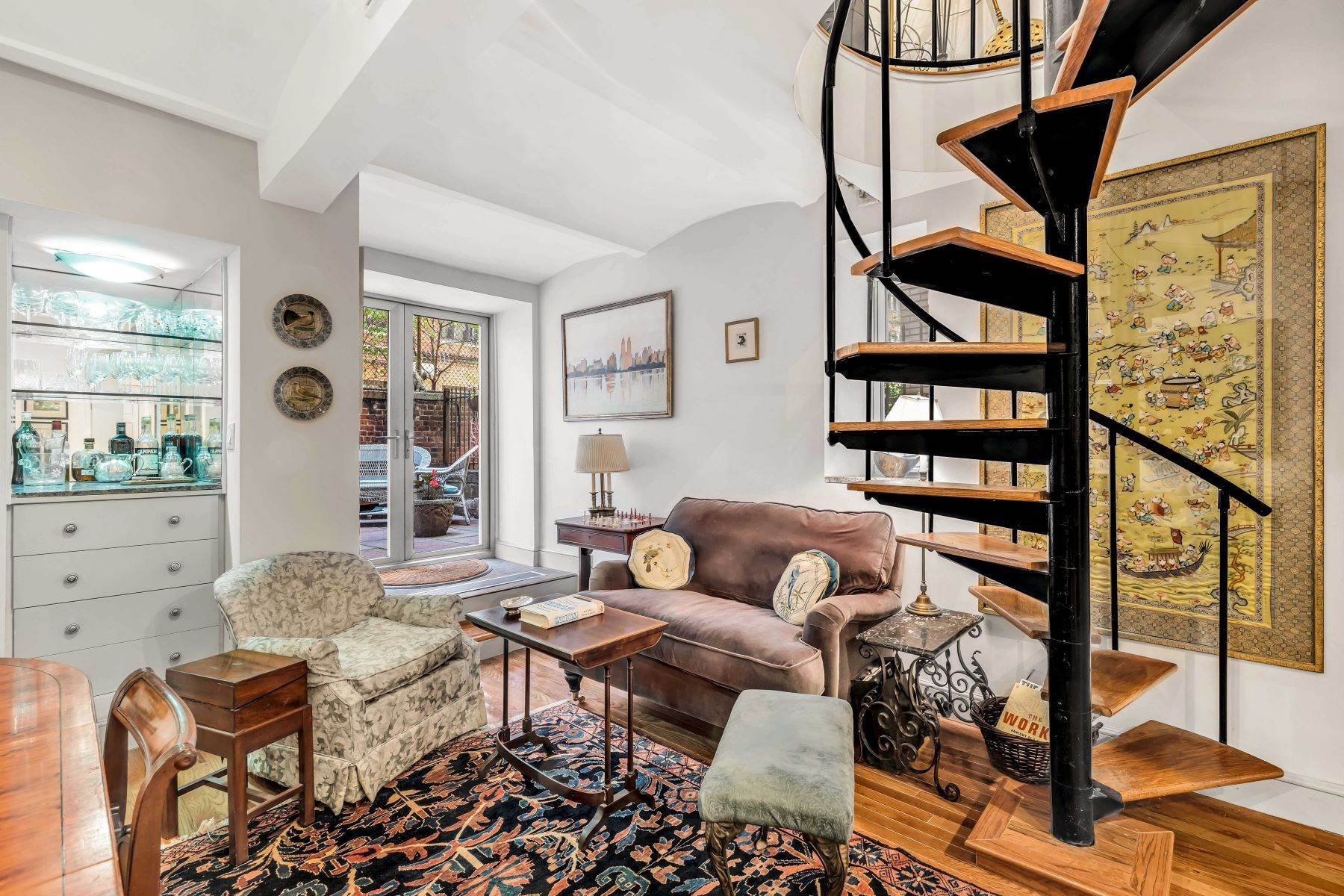 13. Co-op Properties for Sale at Renovated 2 bed 2 bath w/ Outdoor Space 20 East 88th Street, Apt 1F New York, New York 10128 United States
