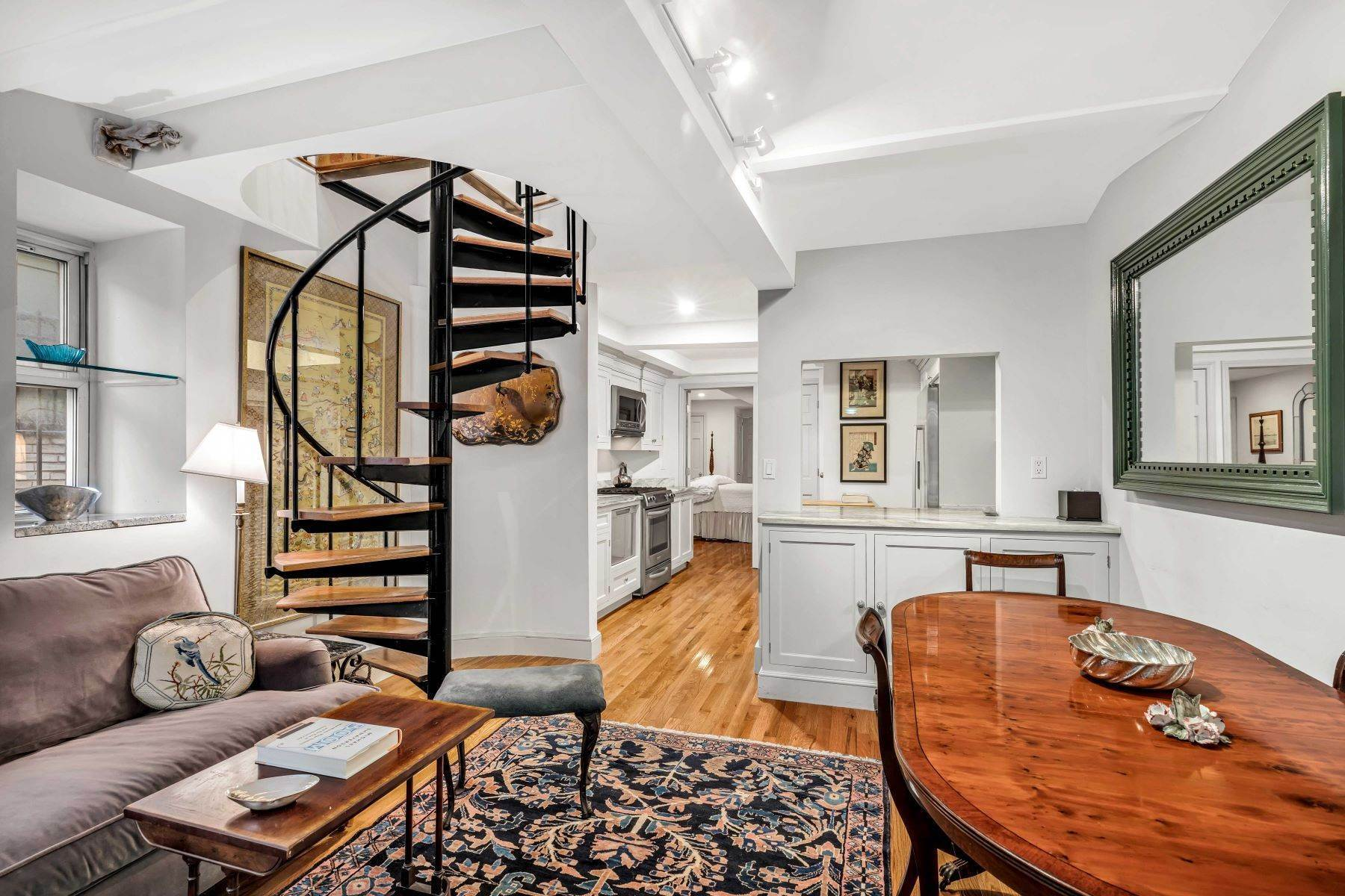 12. Co-op Properties for Sale at Renovated 2 bed 2 bath w/ Outdoor Space 20 East 88th Street, Apt 1F New York, New York 10128 United States